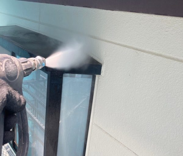 群馬県前橋市 K様邸 外壁リフォーム 下地処理 高圧洗浄の目的 (1)