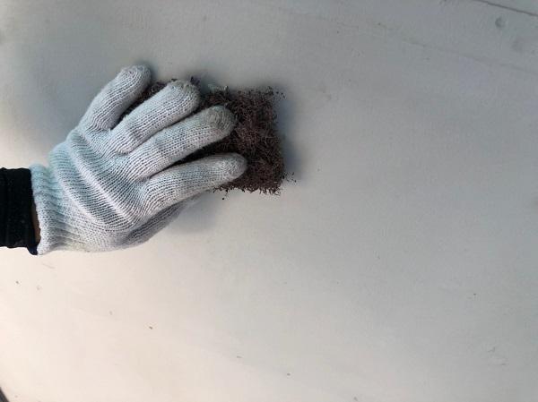 群馬県太田市 屋根・外壁・付帯部塗装工事 雨どい交換 下地処理 ケレン作業 サイディングの継ぎ目 (5)