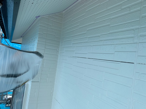 群馬県太田市 屋根・外壁・付帯部塗装工事 雨どい交換 下地処理 ケレン作業 サイディングの継ぎ目 (7)