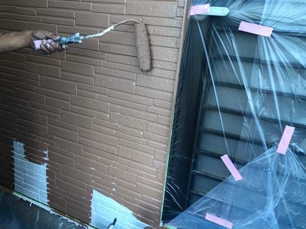 群馬県太田市 Y様邸 屋根・外壁・付帯部塗装工事 外壁中塗り (1)