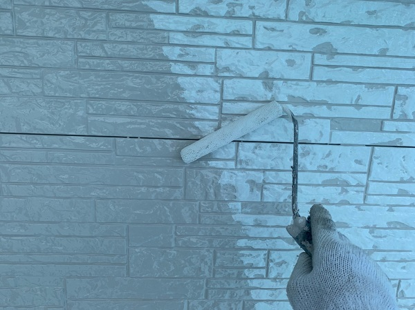 群馬県前橋市 I様邸 外装リフォーム工事 中塗り、上塗りと重ね塗りをする理由 (2)