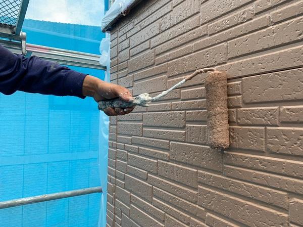 群馬県太田市 Y様邸 屋根・外壁・付帯部塗装工事 外壁上塗り ガイソーウォールマイティシリコン (1)