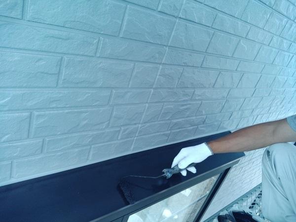 群馬県佐波郡玉村町 O様邸 出窓の屋根部分塗装・水切り塗装 手順 ケレン作業 (1)
