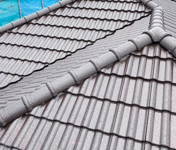 群馬県前橋市 K様邸 外壁リフォーム 屋根塗装 下塗り GWルーフシーラーマイルド (4)
