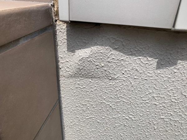 群馬県前橋市 O様邸 外壁塗装・付帯部塗装 無料現場調査 クラック(ひび割れ) チョーキング現象 コーキングの劣化 (4)
