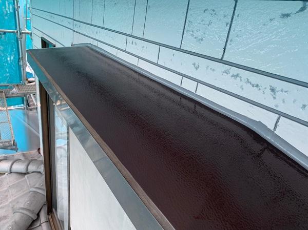 群馬県北群馬郡吉岡町 K様邸 外壁塗装 付帯部塗装 出窓の屋根の塗装 ケレン作業の重要性 (1)