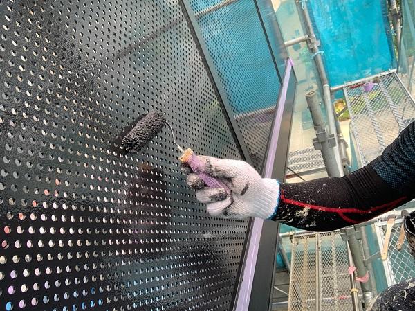 群馬県前橋市 Y様邸 外壁塗装・付帯部塗装 ベランダ目隠しフェンス塗装 ケレン作業の重要性 (2)