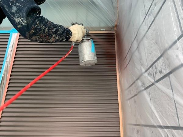 群馬県北群馬郡吉岡町 K様邸 外壁塗装 付帯部塗装 雨戸 吹き付け塗装 (2)
