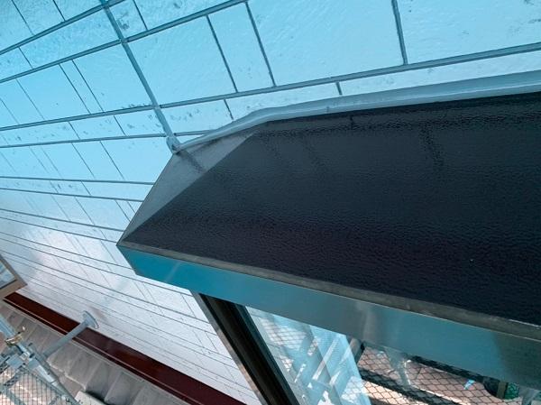 群馬県北群馬郡吉岡町 K様邸 外壁塗装 付帯部塗装 出窓の屋根の塗装 ケレン作業の重要性 (3)