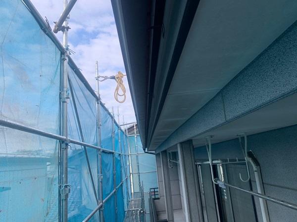 群馬県前橋市 K様邸 外壁塗装・付帯部塗装 施工前の外壁の状態 くさび(ビケ)足場設置 (1)