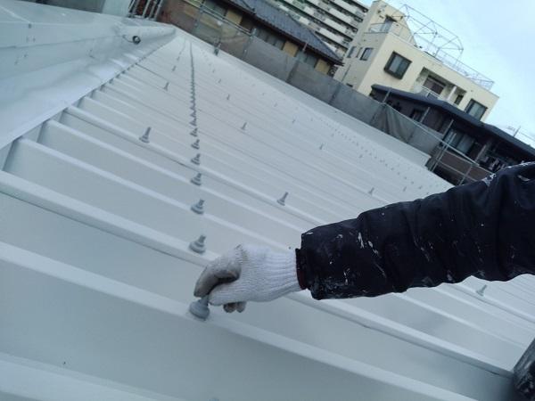 群馬県前橋市 ㈱P様貸店舗 外壁塗装・屋根塗装 波型折板屋根の塗装 エスケーエポサビα ガイソールーフガードシリコン (5)