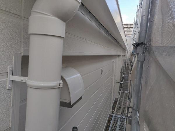 群馬県前橋市 ㈱P様貸店舗 外壁塗装・屋根塗装 付帯部塗装 換気フード、軒天、土台水切り、雨樋、ポールサイン (10)