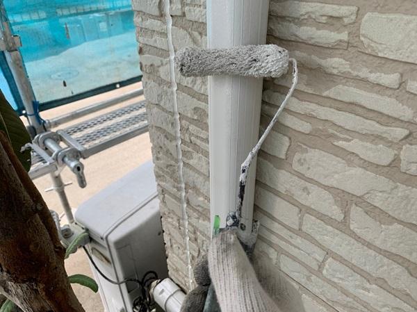 群馬県佐波郡玉村町 K様邸 外壁塗装 雨樋・エアコンホースカバーの塗装 塩化ビニール樹脂の雨樋 (4)