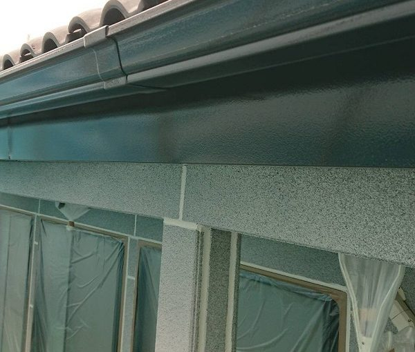 群馬県前橋市 K様邸 外壁塗装・付帯部塗装 雨樋塗装の工程 長期間の放置は割れに繋がります! (2)