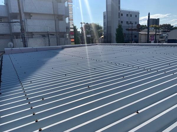 群馬県前橋市 ㈱P様貸店舗 外壁塗装・屋根塗装 施工前の様子③ カビや苔 もらい錆びとは (3)