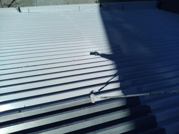 群馬県前橋市 ㈱P様貸店舗 外壁塗装・屋根塗装 波型折板屋根の塗装 エスケーエポサビα ガイソールーフガードシリコン (2)