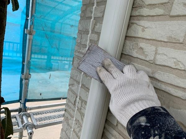 群馬県佐波郡玉村町 K様邸 外壁塗装 雨樋・エアコンホースカバーの塗装 塩化ビニール樹脂の雨樋 (2)