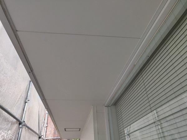 群馬県前橋市 ㈱P様貸店舗 外壁塗装・屋根塗装 付帯部塗装 換気フード、軒天、土台水切り、雨樋、ポールサイン (13)