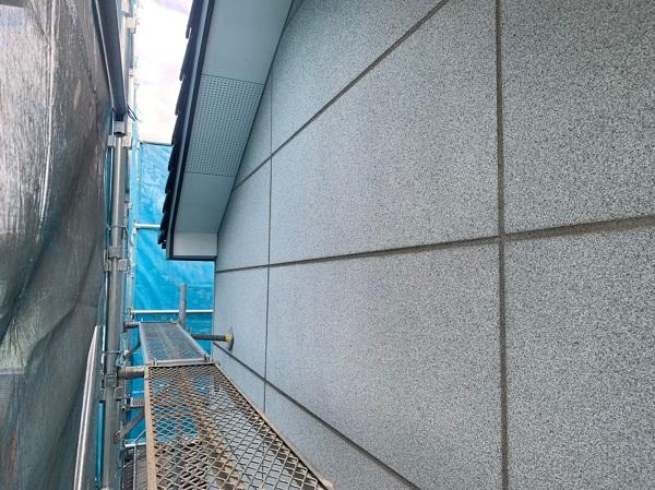 群馬県前橋市 K様邸 外壁塗装・付帯部塗装 施工前の外壁の状態 くさび(ビケ)足場設置 (4)