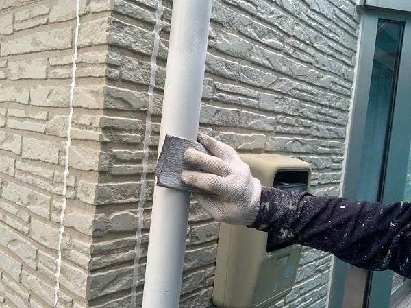 群馬県佐波郡玉村町 K様邸 外壁塗装 雨樋・エアコンホースカバーの塗装 塩化ビニール樹脂の雨樋 (1)