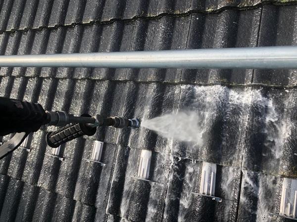 群馬県前橋市 T様邸 外壁塗装・屋根塗装・付帯部塗装 足場組立~高圧洗浄 (2)
