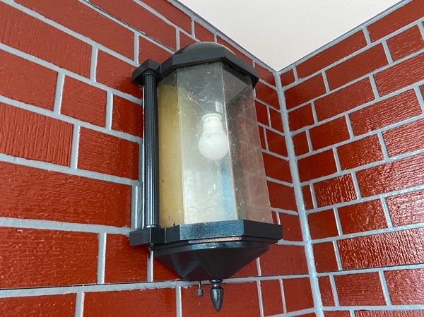 群馬県前橋市 T様邸 外壁塗装・屋根塗装・付帯部塗装 玄関柱・玄関灯・サッシ塗装 工程 (6)