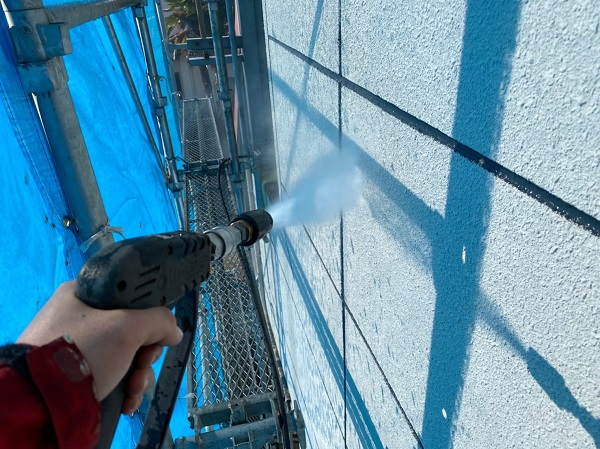 群馬県太田市 Sアパート 外壁塗装・屋根塗装 足場組み立て 高圧洗浄 (1)