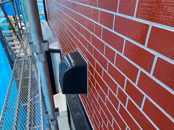 群馬県前橋市 T様邸 外壁塗装・屋根塗装・付帯部塗装 出窓の上 換気フード (5)