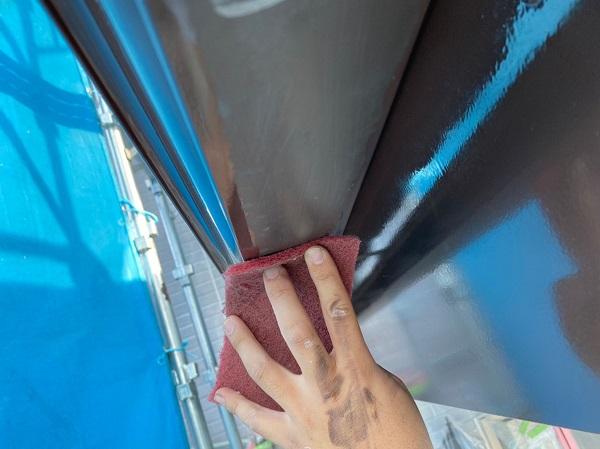 群馬県桐生市 S様邸 外壁塗装・付帯部塗装 エアコンホースカバー・雨樋・下屋と外壁の取り合い板金の塗装 (3)