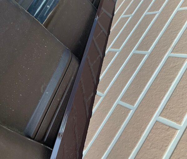 群馬県桐生市 S様邸 外壁塗装・付帯部塗装 エアコンホースカバー・雨樋・下屋と外壁の取り合い板金の塗装 (12)