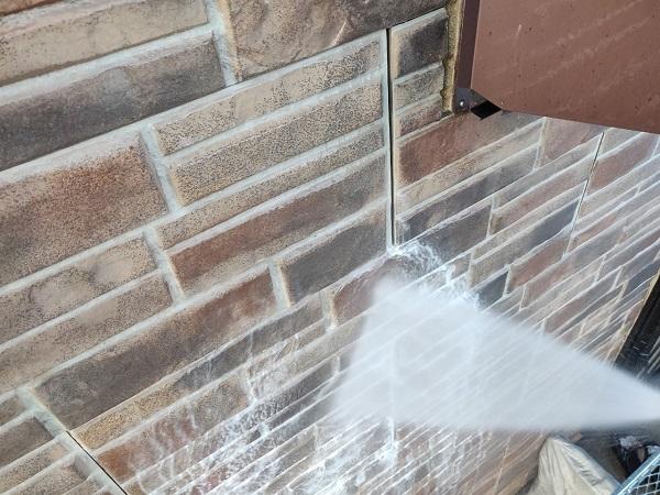 群馬県前橋市 N様邸 外壁塗装 屋根塗装 足場設置 飛散防止ネット 高圧洗浄1 (2)