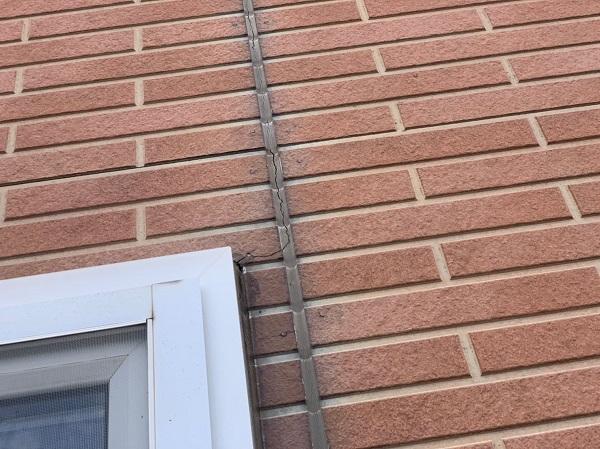 群馬県桐生市 S様邸 外壁塗装・付帯部塗装 下地処理 シーリング工事 打ち替え工事と増し打ち工事の違い