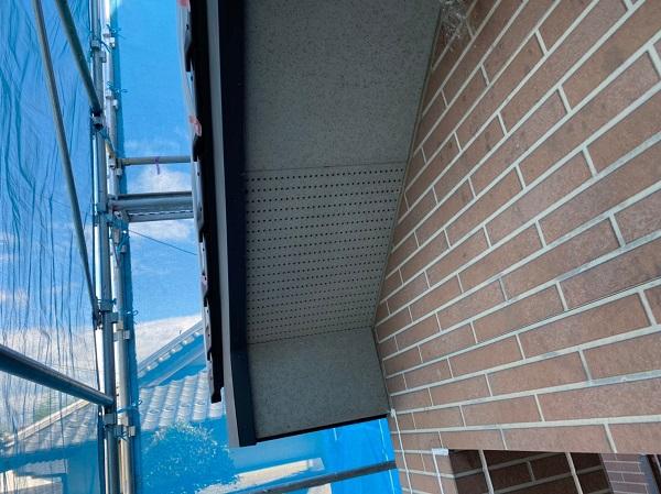 群馬県桐生市 S様邸 外壁塗装・付帯部塗装 ベランダのトップコート塗り替え 軒天の塗装 (2)