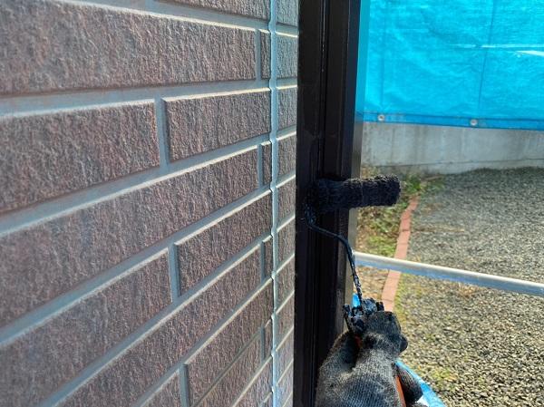 群馬県桐生市 S様邸 外壁塗装・付帯部塗装 エアコンホースカバー・雨樋・下屋と外壁の取り合い板金の塗装 (10)