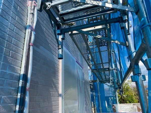 群馬県桐生市 S様邸 外壁塗装・付帯部塗装 外壁下塗り GWカチオンシーラー (3)