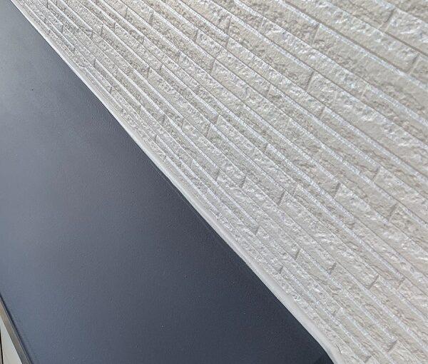 群馬県伊勢崎市 N様邸 屋根塗装 外壁塗装 シャッターボックス、庇塗装 鉄部塗装に重要なケレン作業 (1)