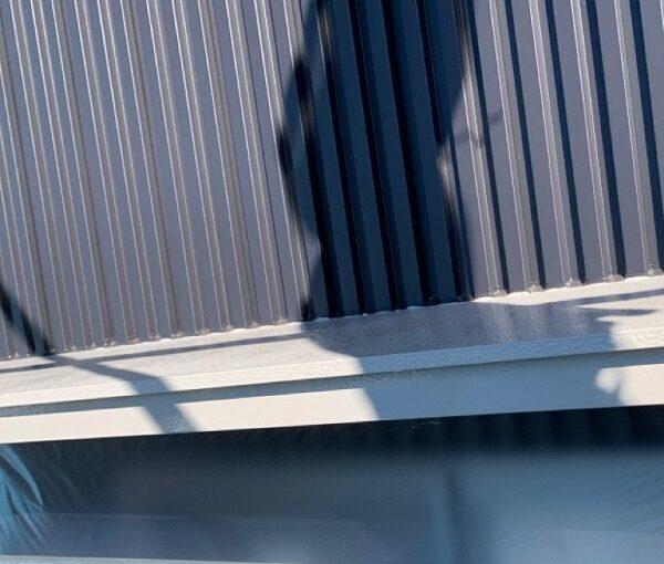 群馬県伊勢崎市 S様邸 外壁塗装・屋根塗装・付帯部塗装 水切り、エアコンホースカバー塗装 (1)