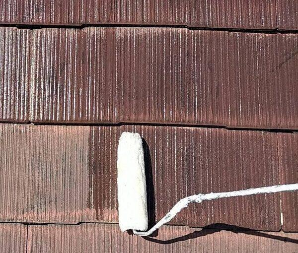 群馬県佐波郡玉村町 K様邸 屋根塗装 基礎補修 タスペーサー設置 下塗り 関西ペイント 浸透形Mシーラー (6)