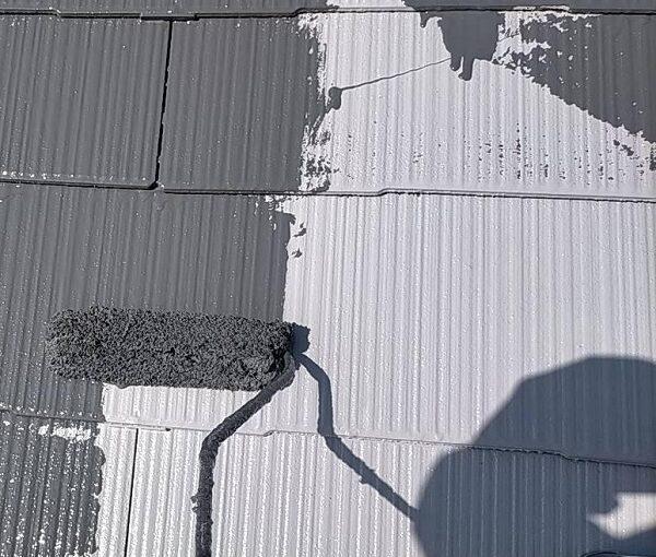 群馬県佐波郡玉村町 K様邸 屋根塗装 基礎補修 中塗り・上塗り ガイソールーフガードネオSi (5)