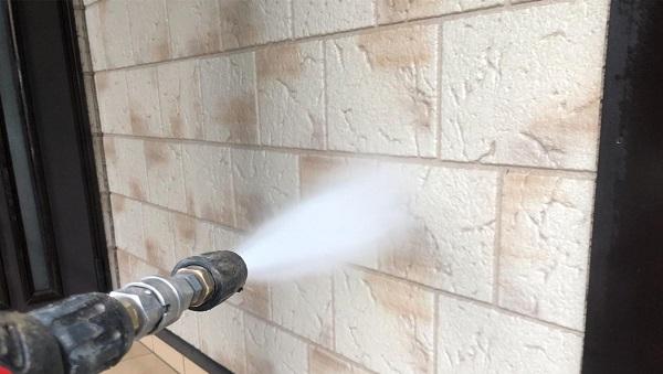 群馬県前橋市 K様邸 屋根塗装・外壁塗装・付帯部塗装 足場組み立て 高圧洗浄 (2)