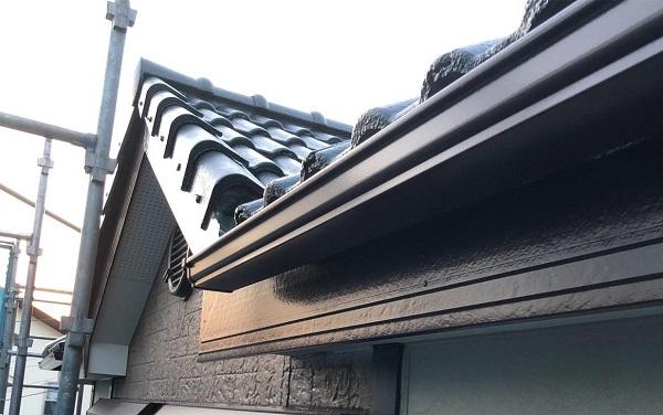 群馬県前橋市 K様邸 屋根塗装・外壁塗装・付帯部塗装 軒天、破風板、雨樋、モールの塗装 ジョンキングNAD (2)