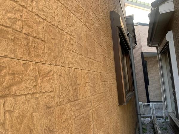 群馬県前橋市 K様邸 屋根塗装・外壁塗装・付帯部塗装 施工前の状態 セメント瓦 (1)