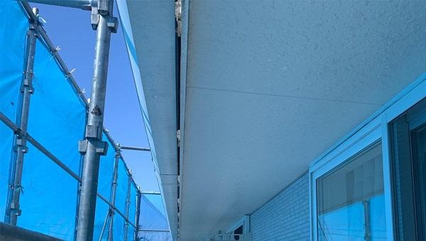 群馬県高崎市 I様邸 外壁塗装・付帯部塗装 軒天塗装 軒天の劣化症状 (3)