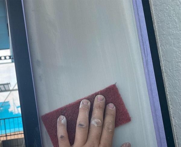 群馬県邑楽郡 アパート 屋根塗装・外壁塗装・付帯部塗装 幕板、隔て板塗装 幕板のメンテナンス方法 (3)