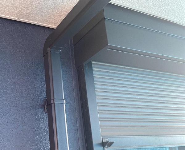 群馬県邑楽郡 アパート 屋根塗装・外壁塗装・付帯部塗装 雨樋と鼻隠しの塗装 雨樋の役割とは (1)