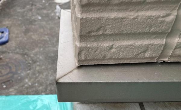 群馬県前橋市 G様邸 外壁塗装・付帯部塗装 エアコンホースカバー、水切りの塗装 (11)