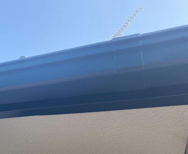 群馬県邑楽郡 アパート 屋根塗装・外壁塗装・付帯部塗装 雨樋と鼻隠しの塗装 雨樋の役割とは (2)
