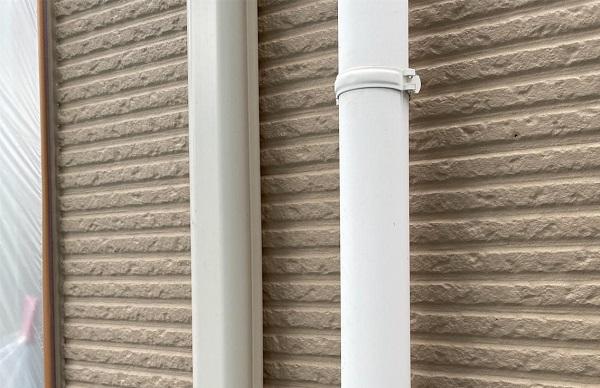 群馬県前橋市 G様邸 外壁塗装・付帯部塗装 雨樋の塗装 縦樋、軒樋 (2)