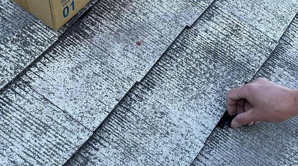 群馬県渋川市 I様邸 屋根塗装・付帯部塗装 タスペーサー01 屋根下塗り (17)