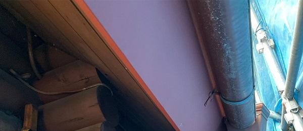 群馬県渋川市 I様邸 屋根塗装・付帯部塗装 雨樋、破風塗装 ケレン作業 (9)